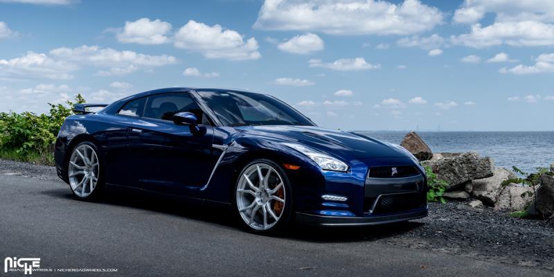 Nissan GT-R Ascari