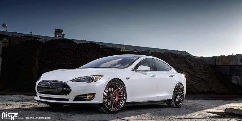 Tesla Model S Esses