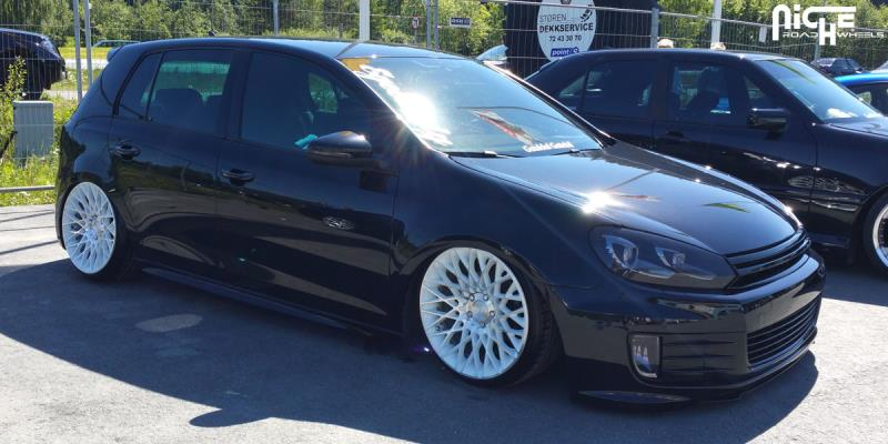 Volkswagen Golf Citrine - M156