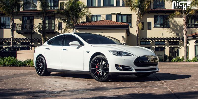 Tesla Model S Essen - M147
