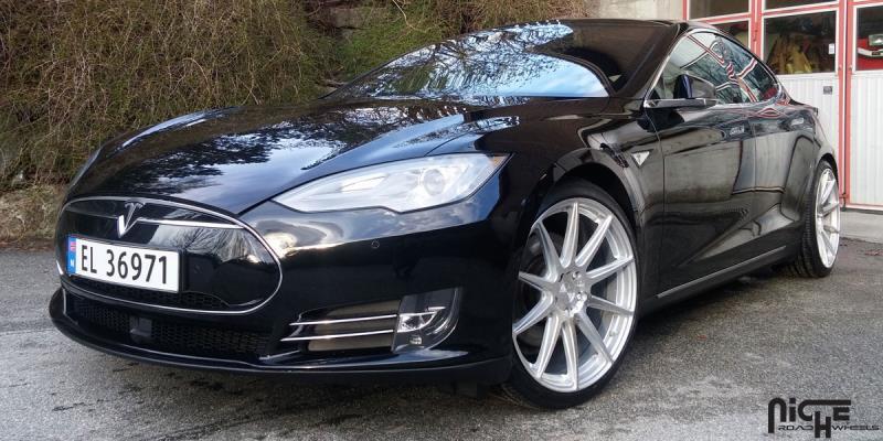 Tesla Model S Essen - M146